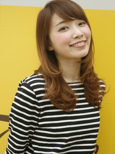 離れ目の女性に似合う髪型:斜め前髪4