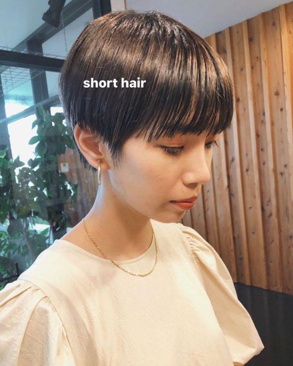 丸顔に似合うハンサムショートヘア8