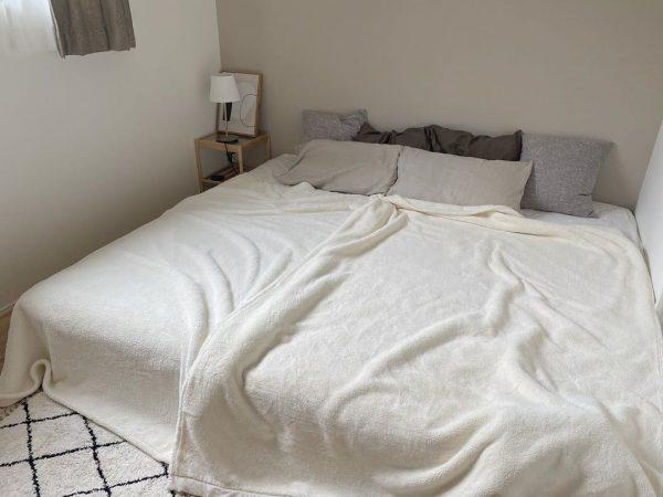 ナチュラルでおしゃれな寝室インテリア7