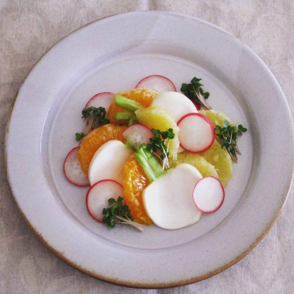 おしゃれな冬野菜レシピのかぶのサラダ