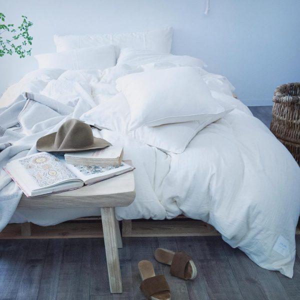 ベッドルームインテリア10