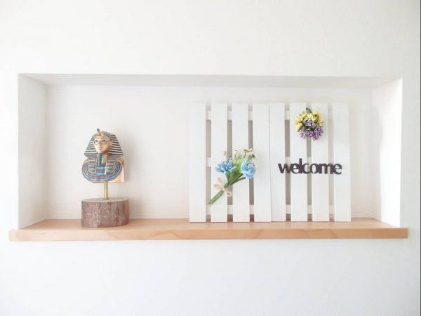 玄関ニッチをナチュラルに飾る100均DIY