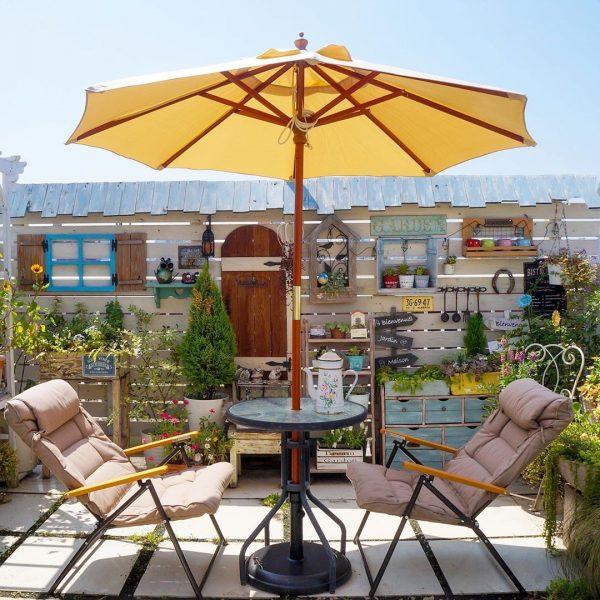 メルヘンなカフェ風ガーデン