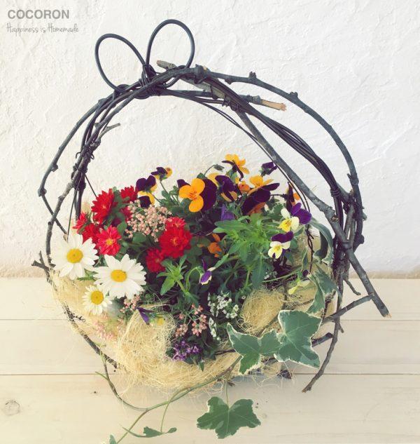 ワイヤーアートのおしゃれな花かご