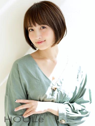 女性らしい長め前髪×ショートカット