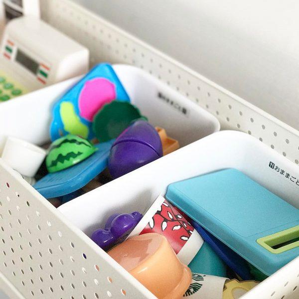 セリアのボックスはおもちゃ収納にも便利