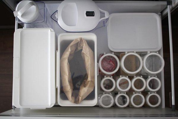 キッチンの引き出しにできるだけ収納する