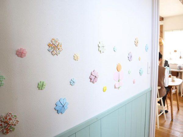 折り紙で壁面をデコレーション