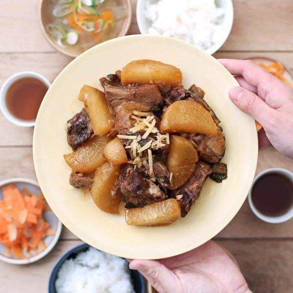 冬野菜の和風人気料理レシピのぶり大根