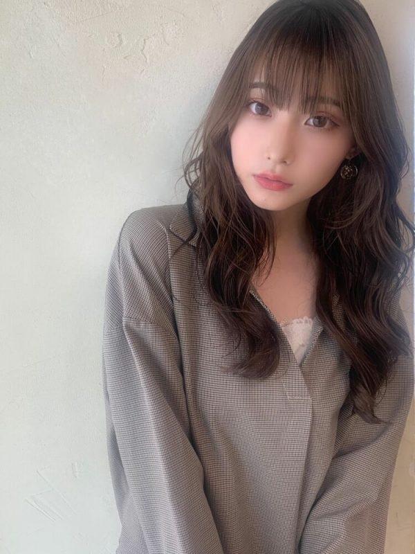 大人可愛いムードが人気♪韓国風ロングヘア