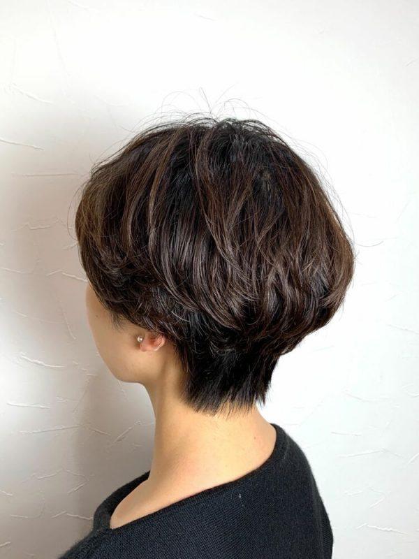 ボリュームアップのパーマショートヘア