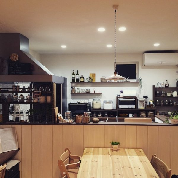 キッチン照明としてのダウンライトの配置例