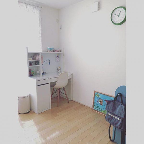 北欧×シンプルでおしゃれな勉強机の配置実例