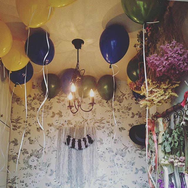 バルーンでおしゃれな部屋の飾り付け