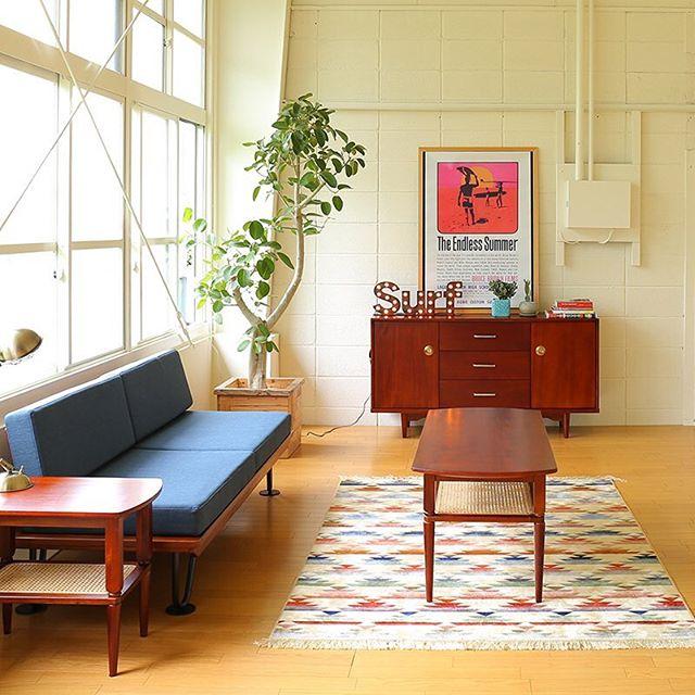 家具とラグの色をリンクさせる