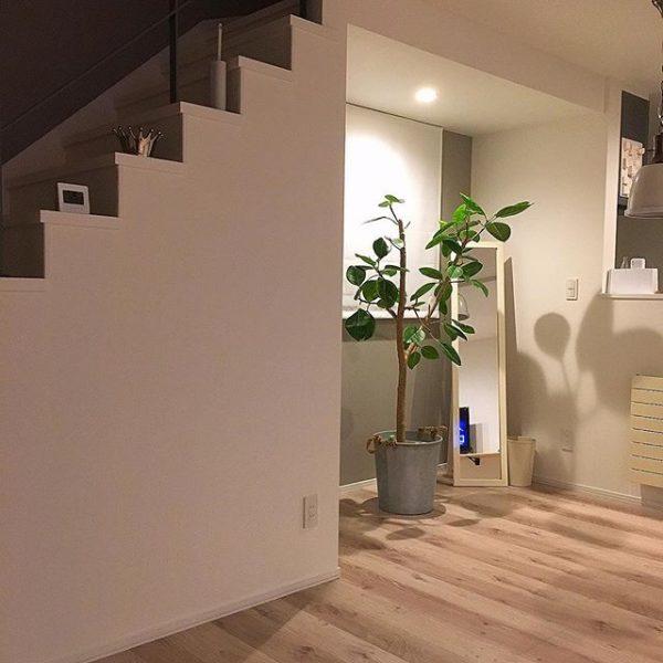 玄関や階段下におすすめの間接照明