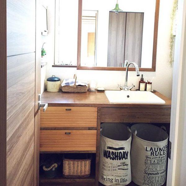 洗面台にも収納ボックスで収納スペース増