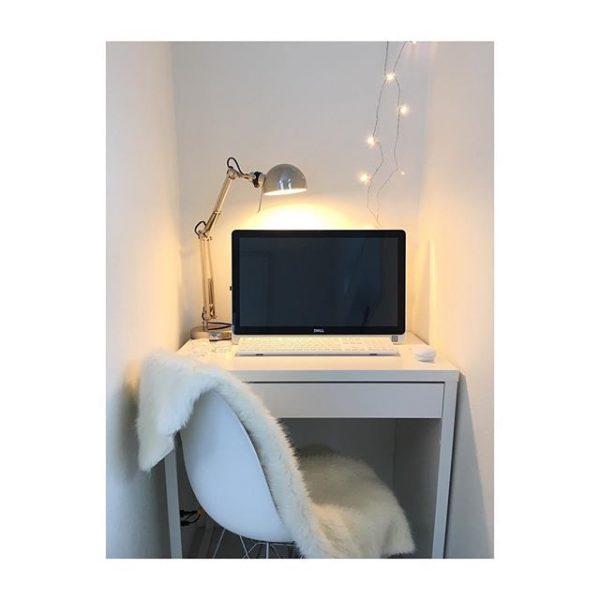 机を置いたパソコンスペース