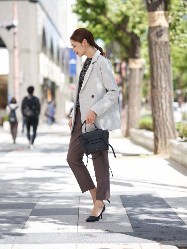 Wジャケット×ブラウンパンツのスーツ