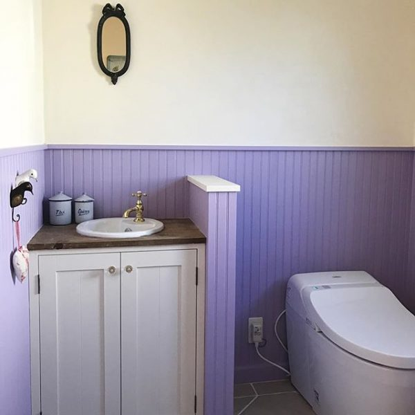 厄を落とす「紫色」の壁紙