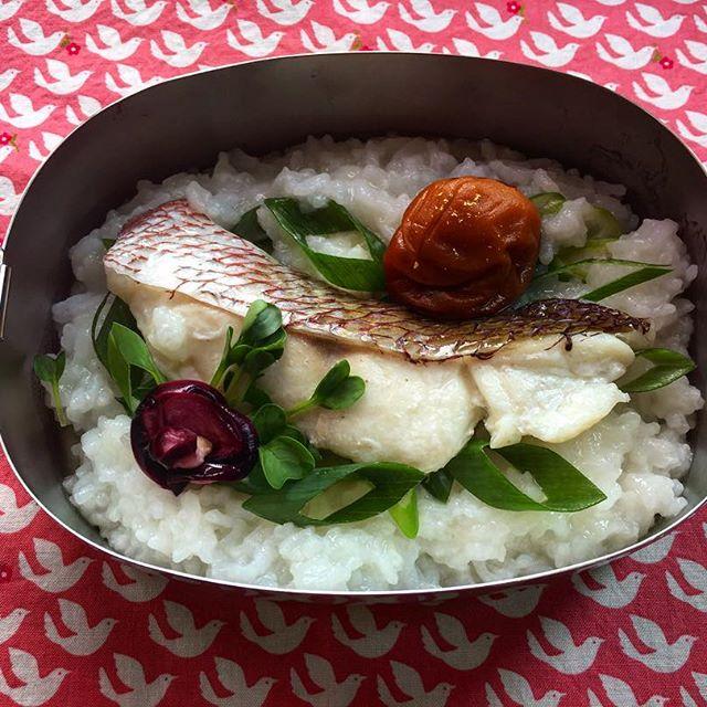 タンパク質もしっかり摂ろう!鯛のおかゆ