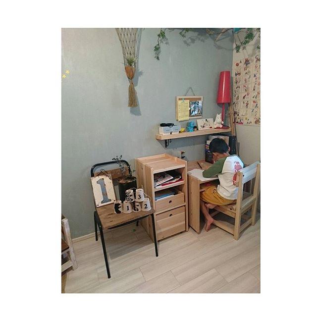 子供部屋を3人で使うレイアウト14