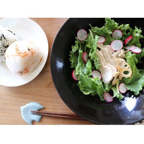 栄養満点メニュー!ケールと蒸し鶏のサラダ
