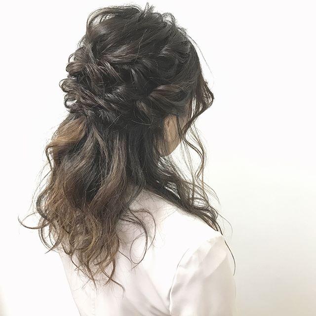 ドレスに似合う髪型12