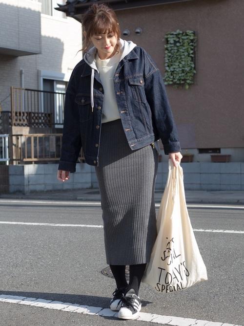 デニムジャケット×ニットスカート