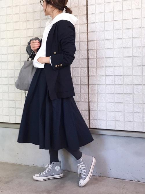 ネイビージャケット×紺スカート