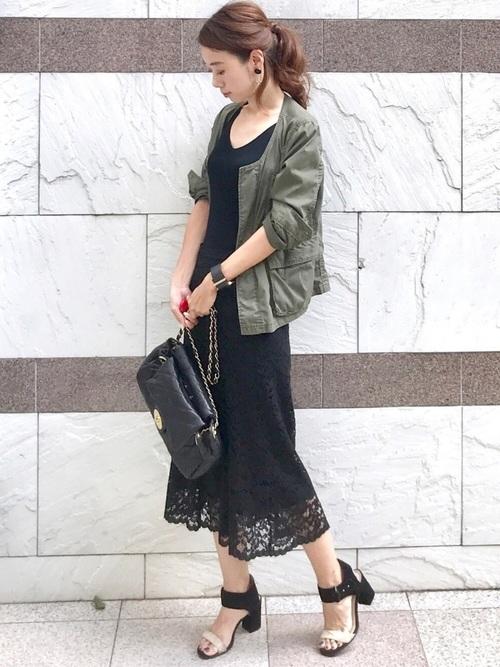 緑ジャケット×ユニクロレーススカート