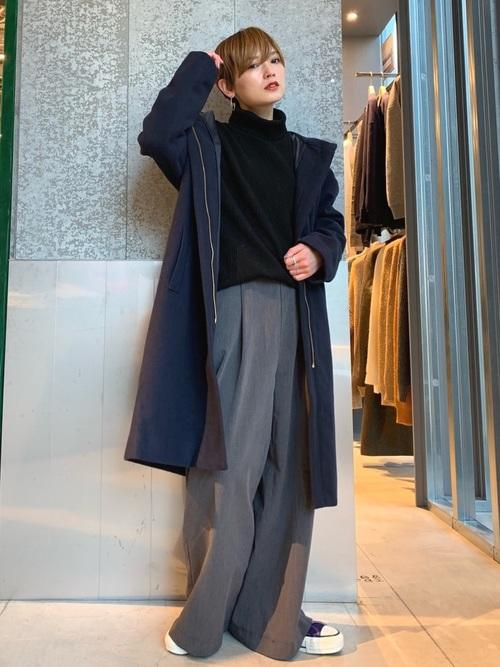 紺チェスターコート×グレーパンツ
