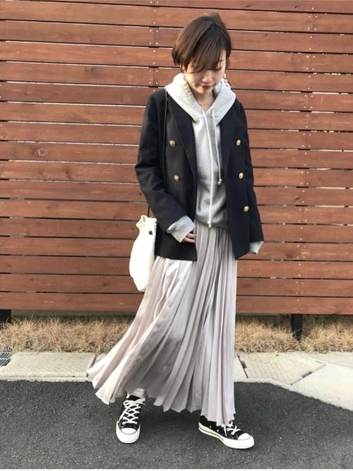 ネイビージャケット×プリーツスカート