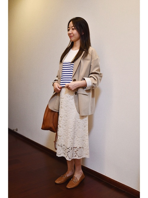 ジャケット×ユニクロ白レーススカート