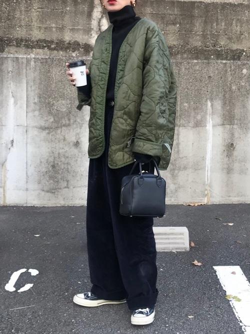 ライナージャケット×ワイドパンツの冬コーデ