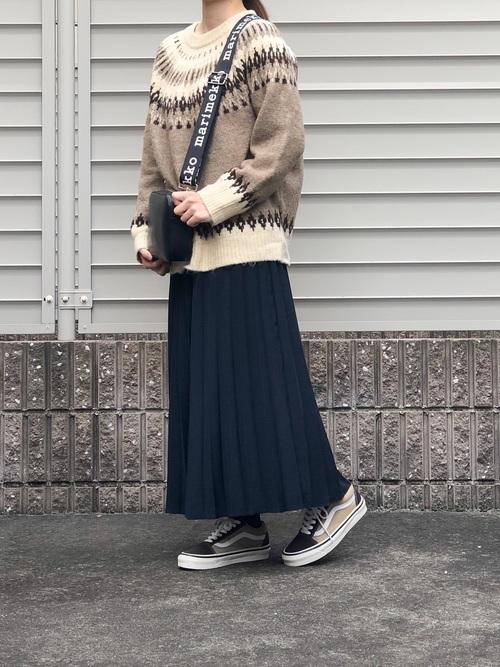 ユニクロネイビープリーツスカート2