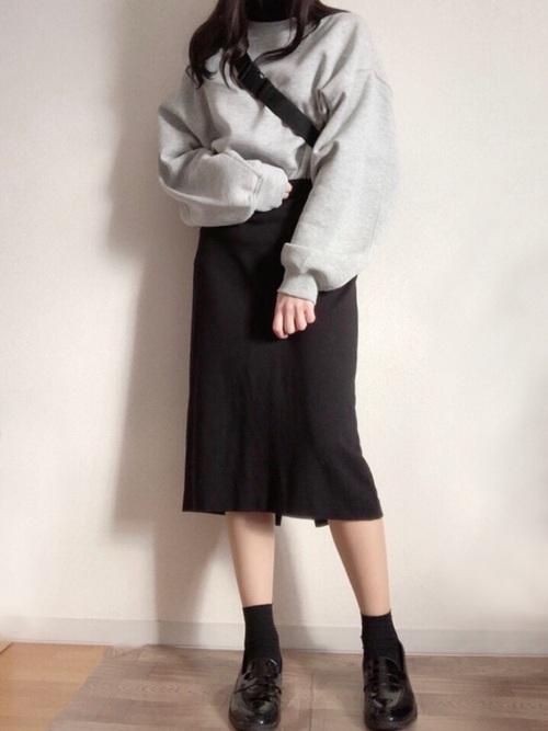 グレースウェット×タイトスカート