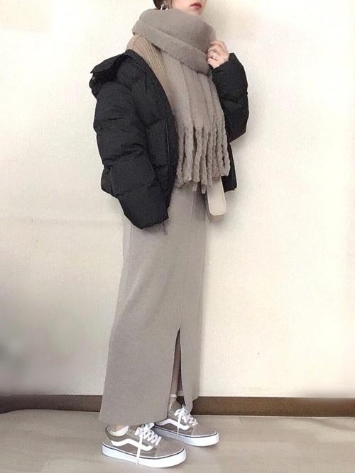 GUダウンコート×ロングスカート