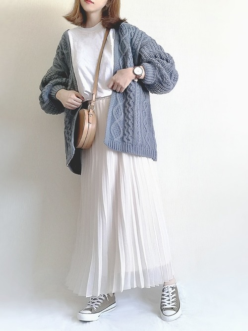ユニクロ白プリーツスカート2
