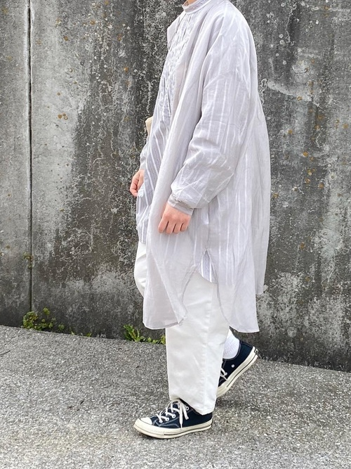 シアーシャツ×無印ワイドパンツ
