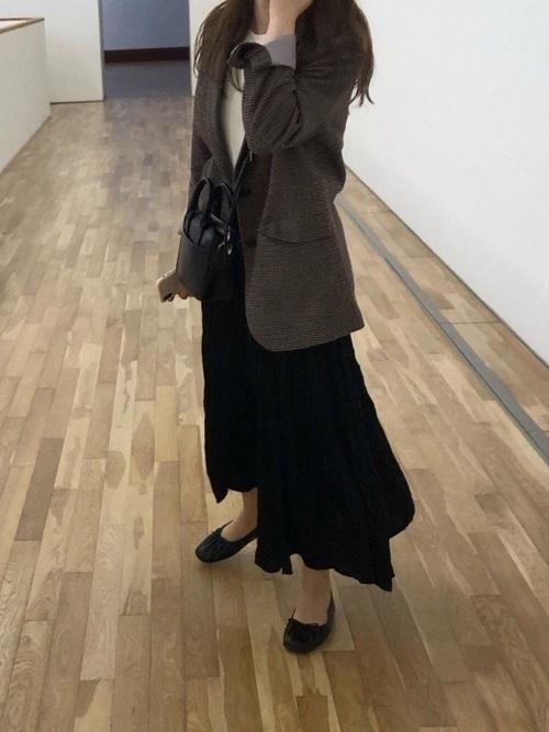 ユニクロ黒プリーツスカート2