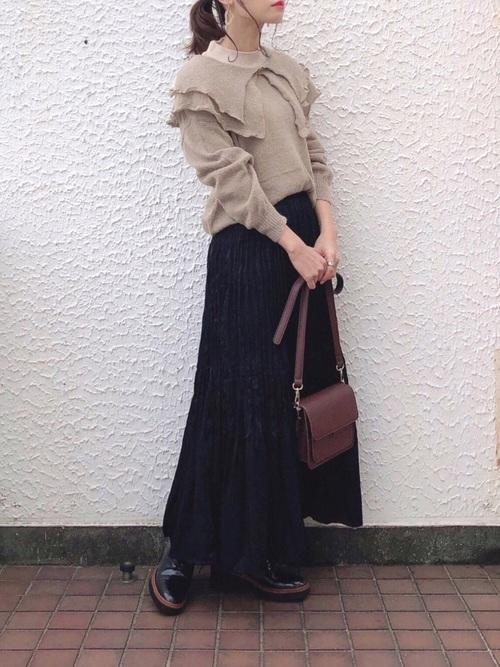 ユニクロ黒プリーツスカート1