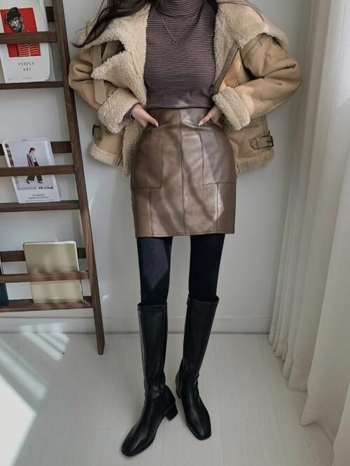 ムートンコート×レザースカート