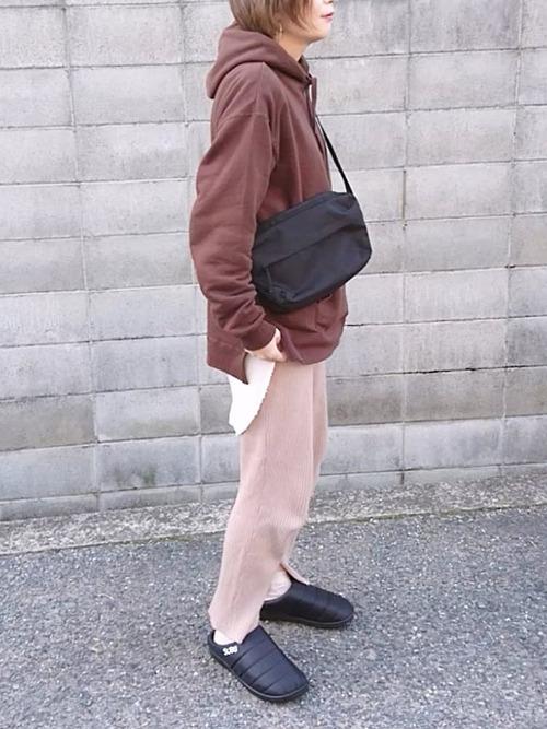 無印良品の黒ショルダーバッグ