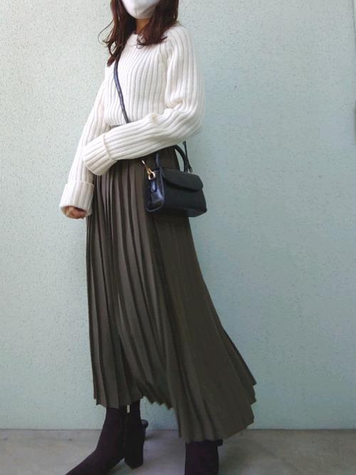 ユニクロブラウンプリーツスカート1