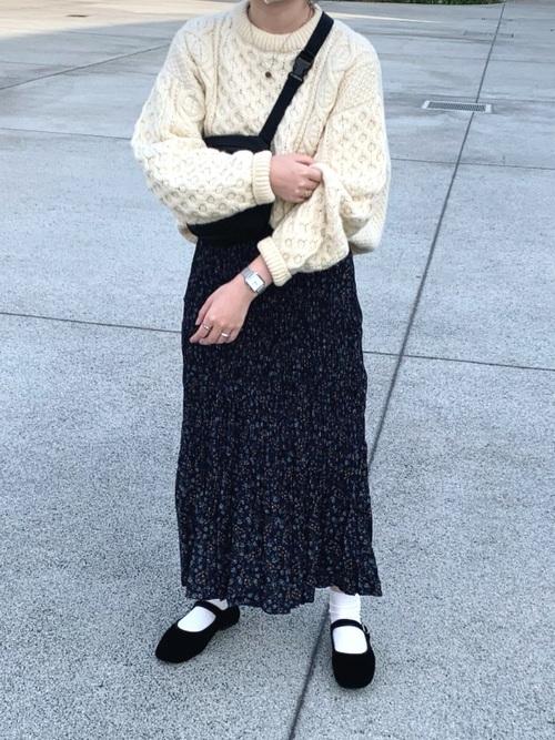 ユニクロのツイストプリーツロングスカート