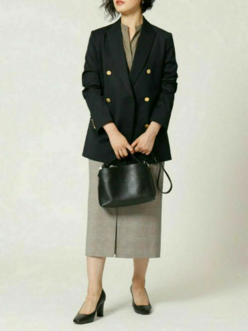 紺ジャケット×タイトスカート