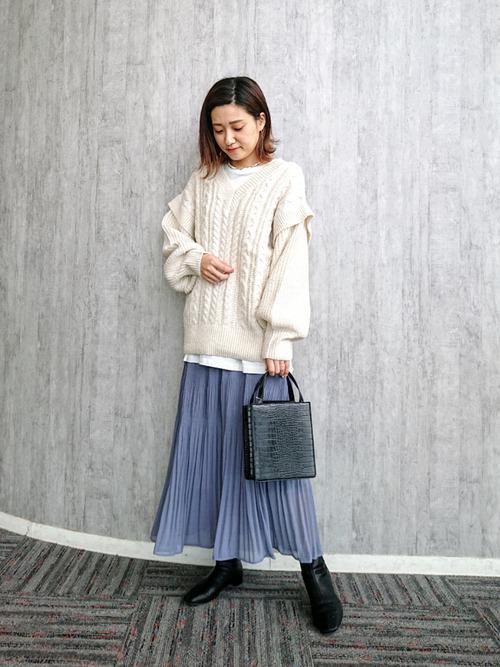 ミックスケーブルニット×レディーススカート