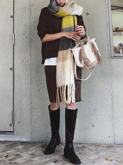 ロングブーツ×ハーフパンツの冬コーデ