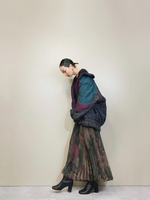 ナイロンジャケット×スカートの冬コーデ